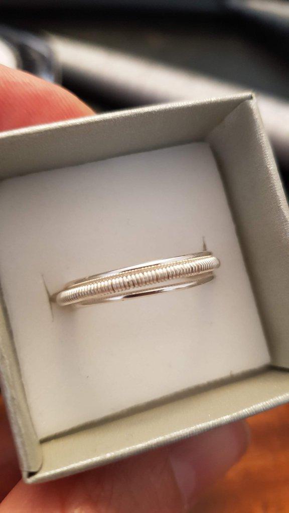 Anello wire semplice