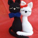 Coppia di gattini innamorati lei e lui amigurumi uncinetto