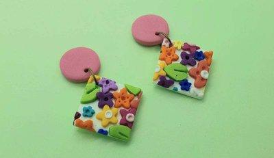 Orecchini floreale fiori colorati quadrato pasta polimerica 4