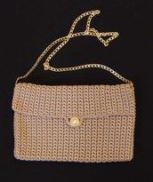 Pochette grande beige con bottone perla