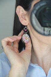 orecchini in legno e carta origami colore rosa e argento, fantasia fiori e pendenti a cerchio. serie Japan