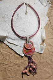 Collana Flora in fimo e carta da origami. Girocollo colore rosa antico e viola con frange e perle