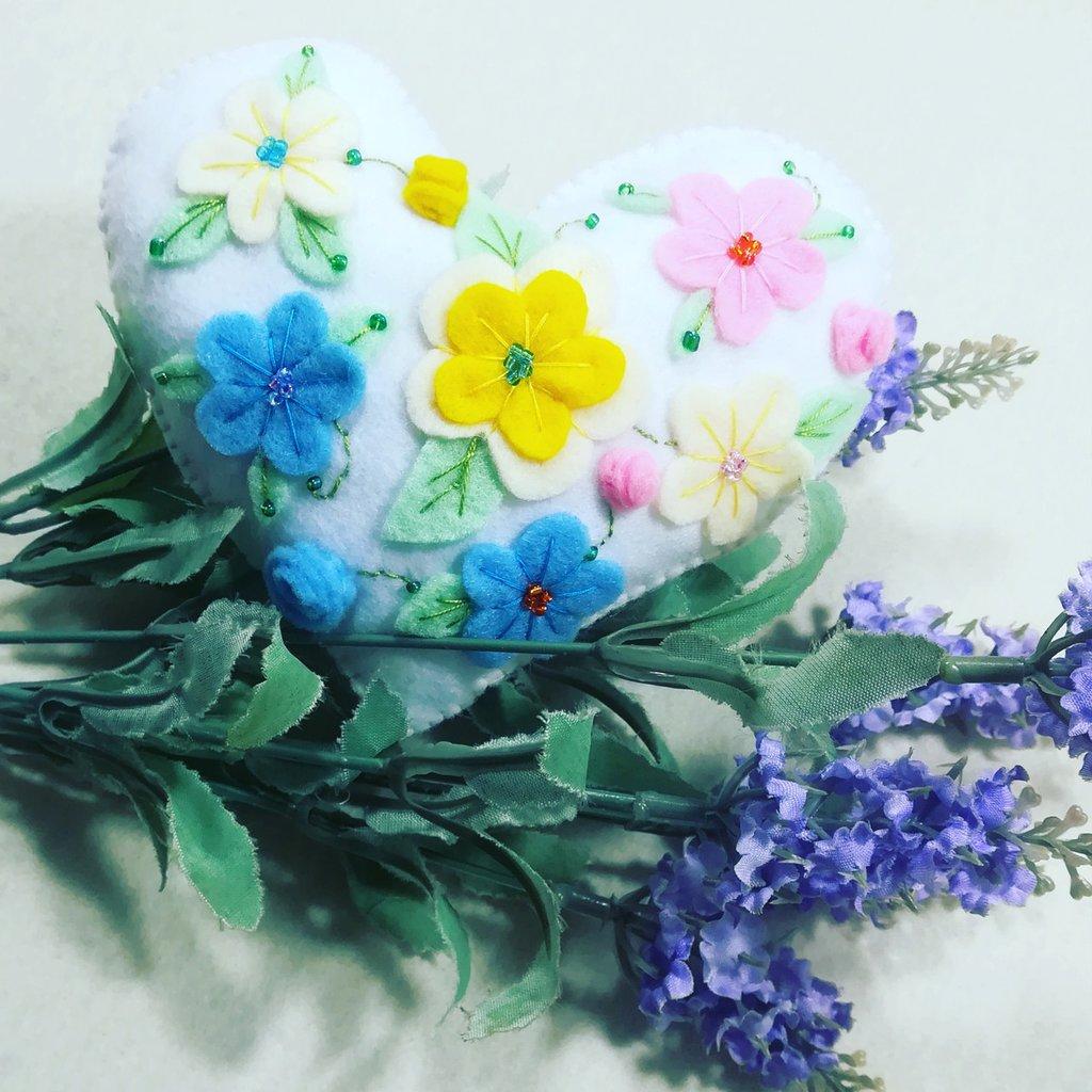 Cuore fantasia fiori