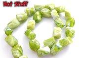 1 Perle di pepita sfaccettate in Vetro - Verde lime (17x13mm)