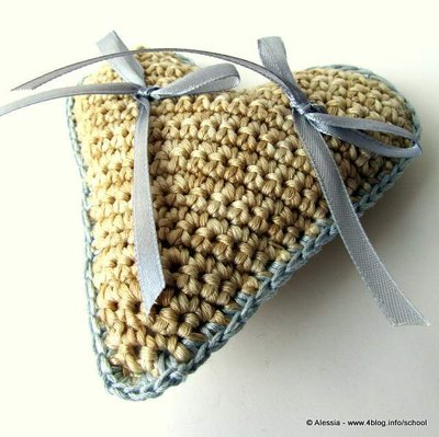 Cuscino portafedi HEART a Crochet Uncinetto (idea matrimonio wedding)