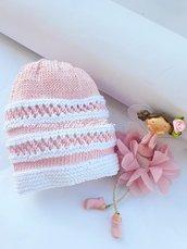 Cappello bambina in puro cotone  100% lavorato a mano