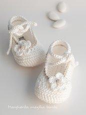 Scarpine bianche con rifinitura ecru - neonata/bambina - fatte a mano - Battesimo