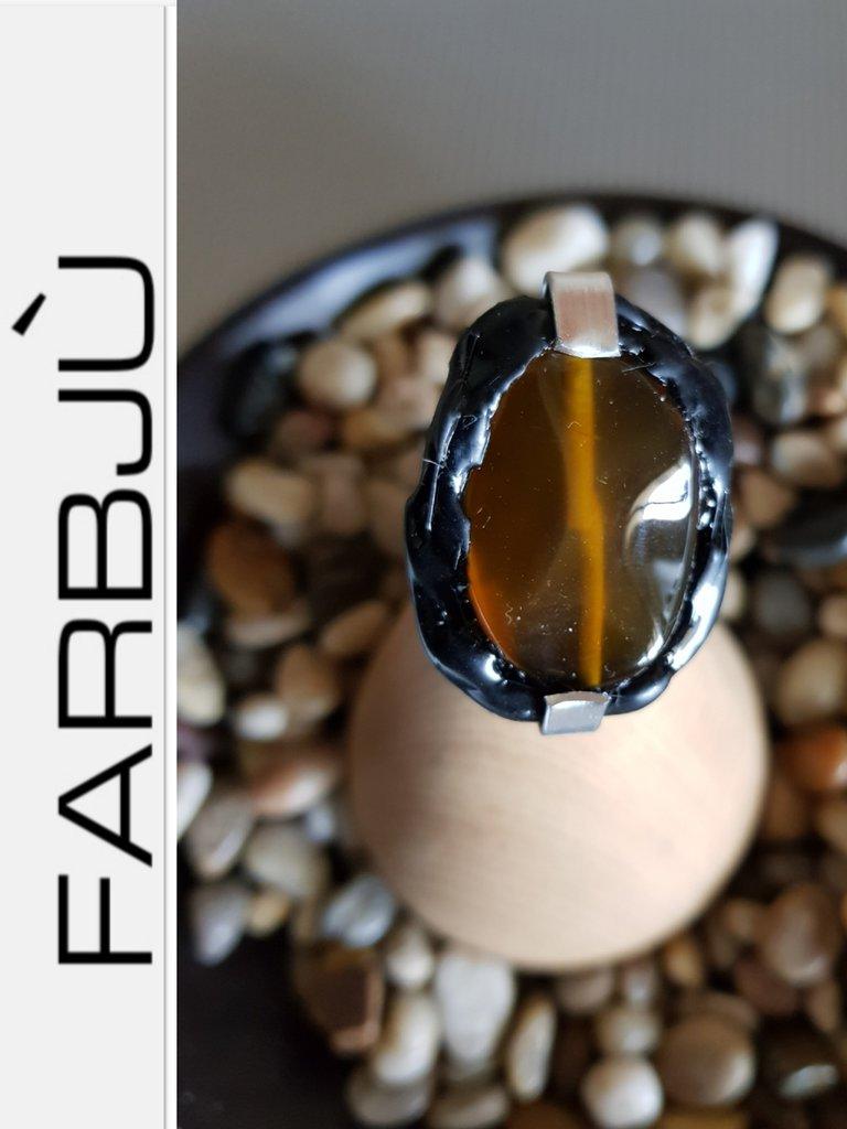 Anello regolabile  alluminio con pietra dura   e  silicone nero