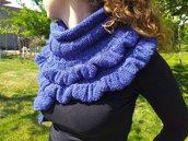 Sciarpa donna con volant lavorata ai ferri in lana merinos