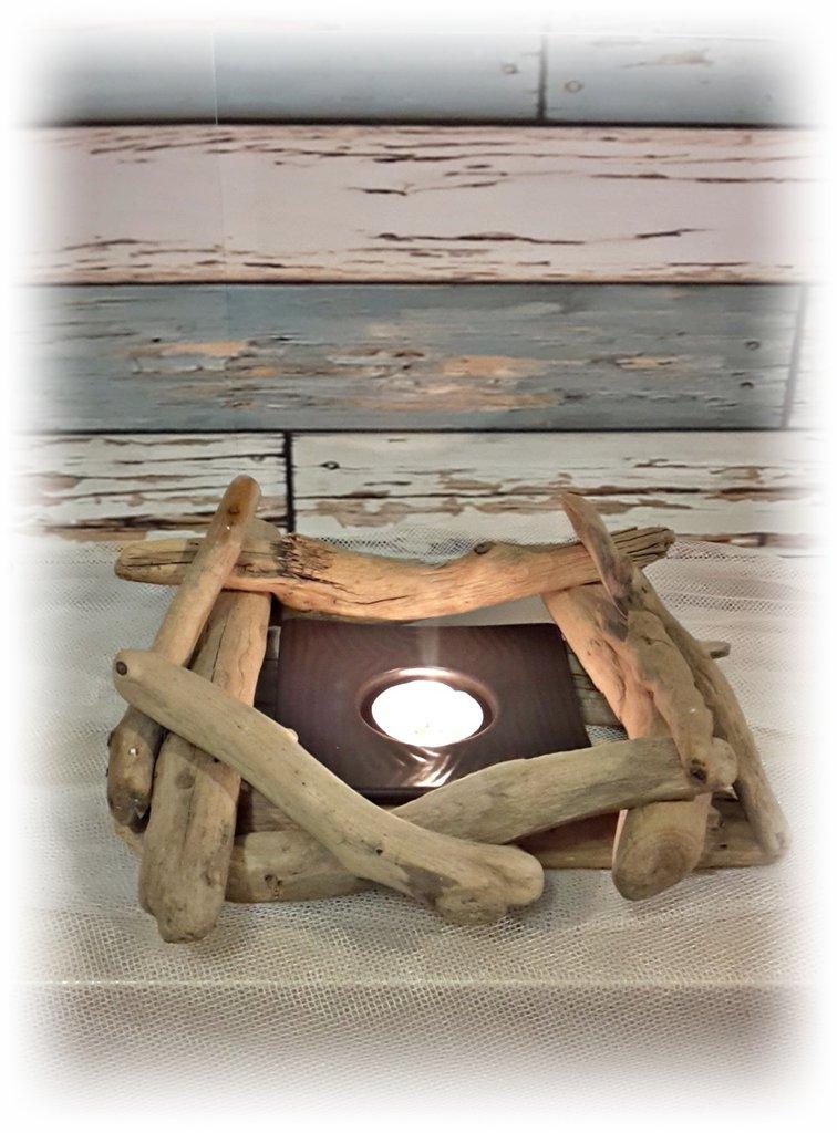 Porta lumino con legni di mare