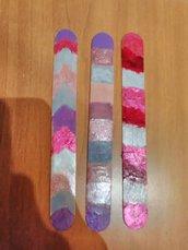 """Segnalibri colorati con """"smalto e rossetto"""""""