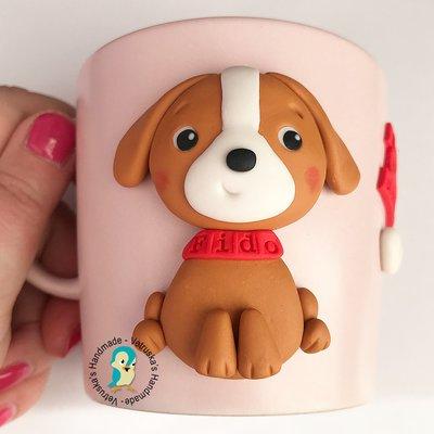 Tazza in gres con cane decorata a mano