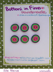 bottoni in fimo rosa, verde, viola