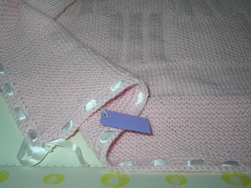 copertina bimba rosa lavorata a mano