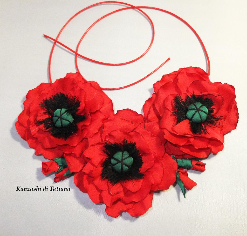 Collana  con fiori di raso  7.7