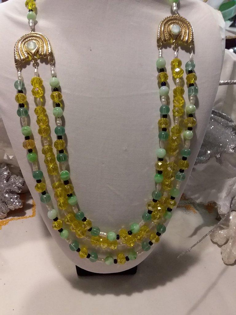 COLLANA tre fili verde e gialla