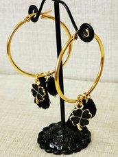 Orecchini a cerchio black and gold