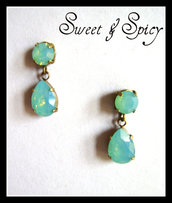 LUXURY COLLECTION-SWAROVSKI PACIFIC OPAL VINTAGE EARRINGS