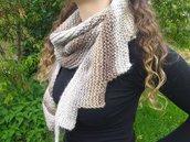 Sciarpa di lana fatta a maglia asimmetria modello a coda di drago