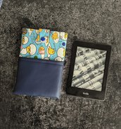 Porta Kindle Gutedama con tasca in finta pelle blu