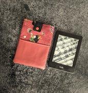 Porta Kindle Geishe con tasca in finta pelle rossa