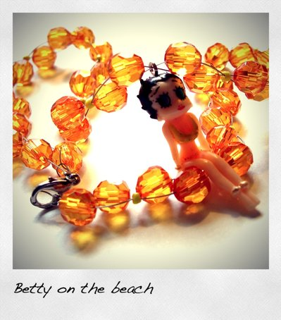 "Girocollo ""Betty on the beach"""