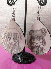 Orecchini in legno a goccia, manga style