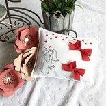 Cuscino portafedi dipinto a mano