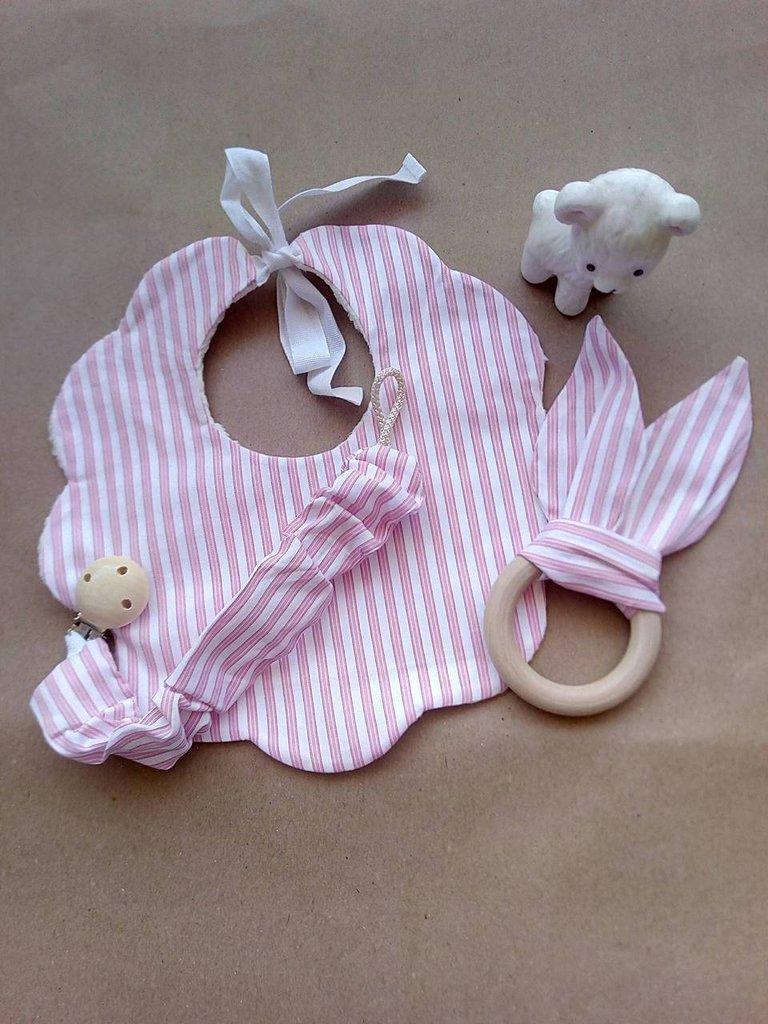 Set bavaglino e portaciuccio  rosa