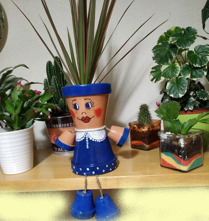 Vaso terracotta decorato, bambola vaso