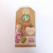 Orecchini per donna con ampolla con macarons rosa e biscotto in fimo