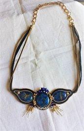 """Collana girocollo blu, tabacco e oro """"Atahualpa"""", realizzata a soutache"""