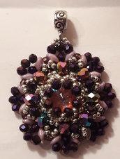 Ciondolo di cristalli viola/rosa