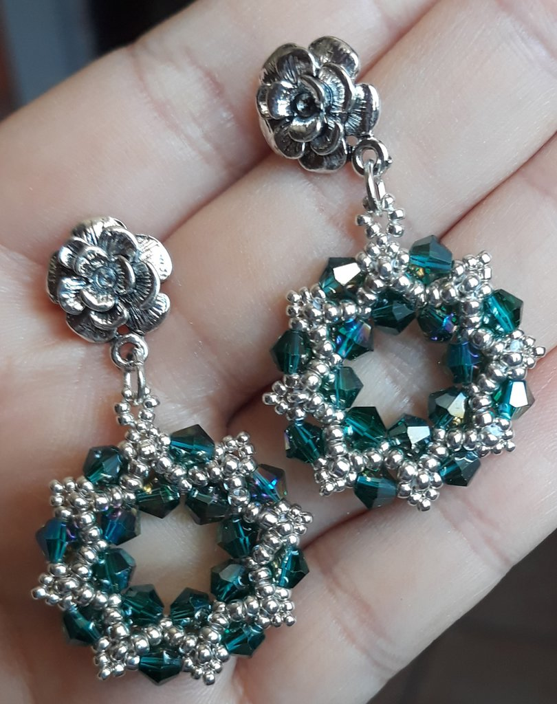 Orecchini smeraldo con cristalli