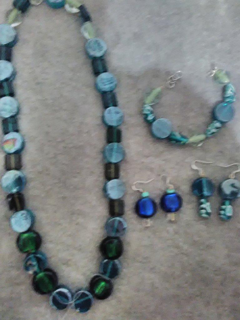 """Collana in """"Vetro indiano azzurro e verde'"""