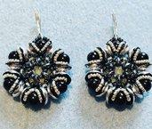 Orecchini con perline piggy argento e neri