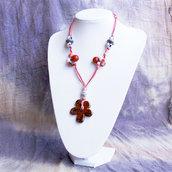Collana media lunghezza con fiore in ceramica greca fili e perline