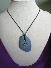Ciondoli artigianali realizzati con pietra naturale,regalo uomo, timone del amore,