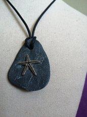 Ciondoli artigianali realizzati con pietra naturale ,stela marina,regalo uomo