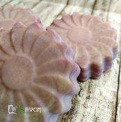 Sapone alla lavanda, forma a fiore, 100% fatto a mano
