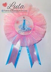 Coccarda con spilla fratello sorella torta di pannolini regalo party fine festa compleanno personalizzata Elsa