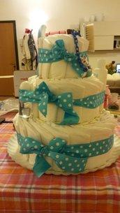 Torta di pannolini Azzurra a pois