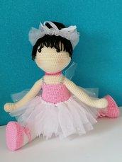 Carolina, ballerina, bambola amigurumi