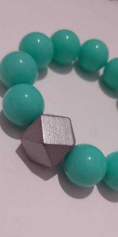 Bracciale con perle colore verde acqua