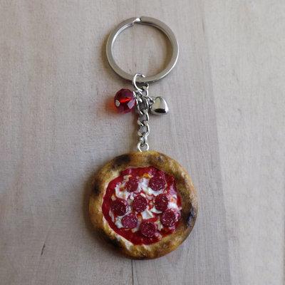 Portachiavi pizza diavola con salame in fimo