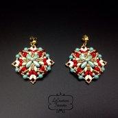 Orecchini pendenti in tessitura di perline di vetro, rosso oro verde tiffany