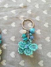 Portachiavi fiore cristallo celeste azzurro grappoletti