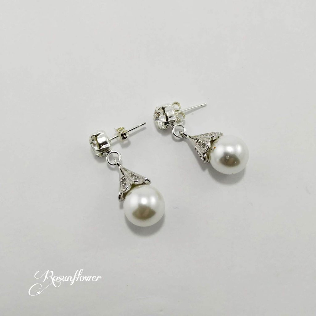 Orecchini con perle bianche e cristalli di swarovski, orecchini damigella, regalo mamma, regali per lei