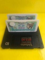 Porta biglietti da visita realizzato con floppy disk e fiches lire italiane.