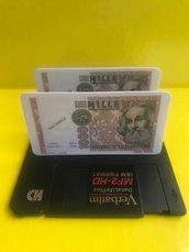 Porta carte da scrivania realizzato con floppy disk e fiches lire italiane